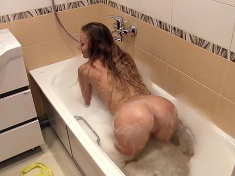 Ve vaně se dá dělat mnoho věcí