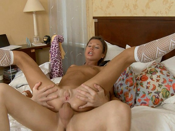 Deep throat sex movie with a hot coed