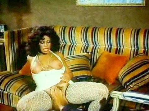 Rough anal fucking in classic 70s porn scene